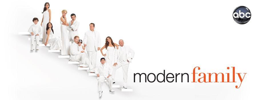 http://assets.huluim.com/shows/key_art_modern_family.jpg